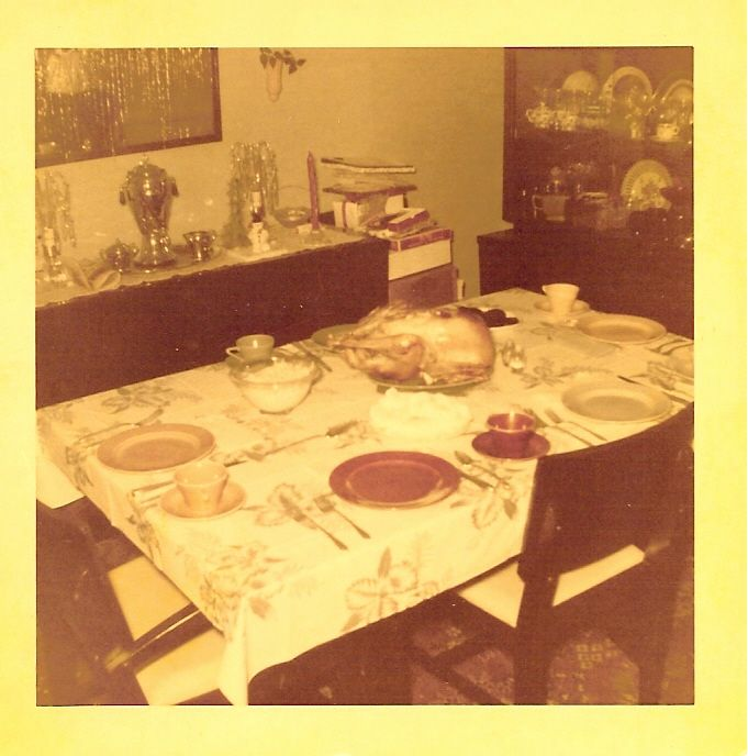 Valera street last thanksgiving dinner before moving.jpg